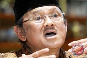 Jokowi kirim dokter kepresidenan pantau kesehatan Habibie