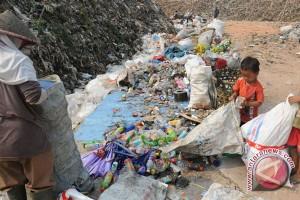 Warga keluhkan pemukimannya jadi lokasi pemilahan sampah