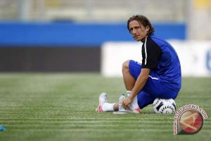 Julen Lopetegui klaim Modric akan bertahan di Real Madrid