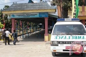 Ambulans Siaga di Pelabuhan