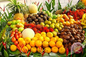Jangan simpan buah dan sayur ini di lemari es