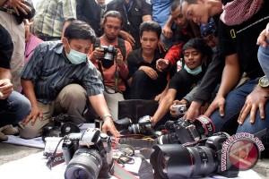 Wartawan protes larangan meliput di Polresta