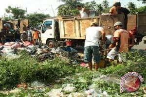 DLH OKU operasikan truk pengangkut sampah