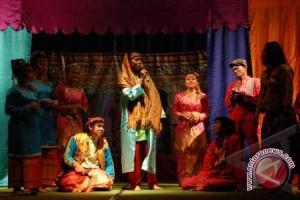 Lomba Dulmuluk meriahkan Festival Musi 2012