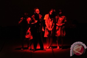 Teater pelajar Lakon upacara