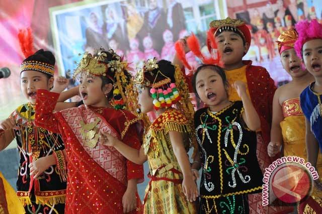 Lomba menyanyi dan cipta lagu anak Indonesia