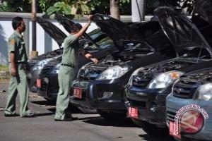 Pemkab larang mobil dinas gunakan plat hitam