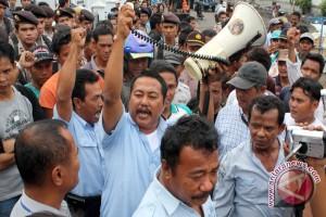 Aspek Indonesia : buruh tidak akan kudeta