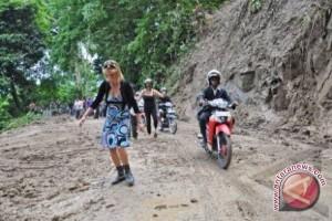 Jalur Padang-Bukittinggi lewat malalak putus