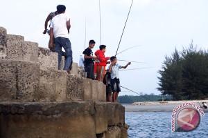 Ratusan peserta ikut lomba mancing