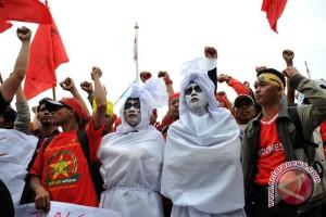 Pengamat: UMP 2018 belum penuhi kesejahteraan buruh