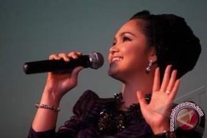 Tiga penyanyi Indonesia ramaikan konser Siti Nurhaliza