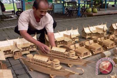 Masyarakat Musirawas kembangkan kerajinan berbahan lokal