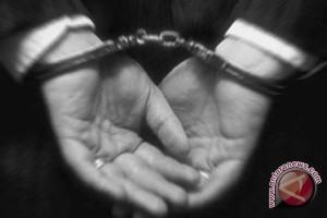 Tersangka pembunuhan serahkan diri ke polisi