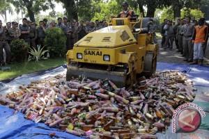 Satpol PP Palembang tertibkan PKL minuman keras
