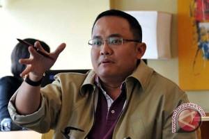 Anggota DPR kembalikan formulir pendaftaran calon bupati