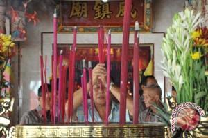 Warga Tionghoa Jambi padati klenteng tertua