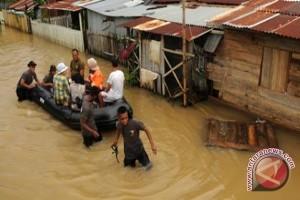 Warga Lebong Bengkulu tewas terseret banjir