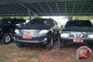 Bupati tegaskan tarik kendaraan dinas berplat ganda