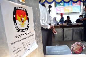 """""""Dagelan politik"""" ala pilkada Surabaya"""