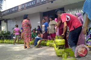 Pemkot operasi pasar gas elpiji serentak