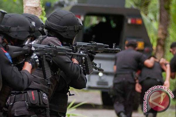 Densus 88 buru teroris di Lampung
