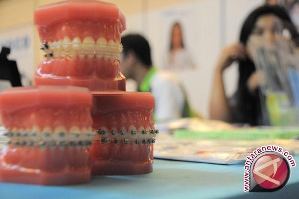 Ratusan santri Ponpes OKU ikuti perawatan gigi gratis