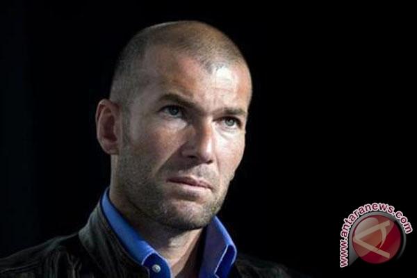 MU pernah mengincar tapi lalu menolak Zidane