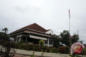 Seratusan pelajar lomba melukis rumah Bung Karno