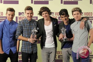 One Direction raih trofi Kids' Choice Awards
