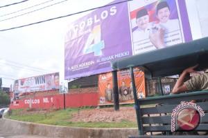 Baliho tak berizin diturunkan Satpol PP Palembang