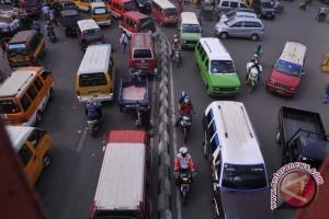 Arus lalu lintas Sumbar-Riau padat merayap