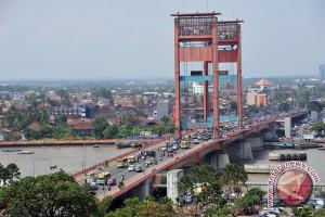 Pemkot rencanakan Jembatan Ampera jadi pusat kuliner