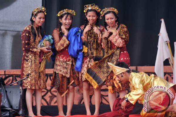 Pekanbaru tuan rumah ajang teater Sumatera II
