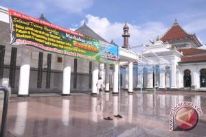 Drainase Masjid Agung diperbaiki Juli 2015
