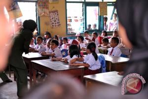 Pengamat: Pengembangan mutu guru harus jadi prioritas