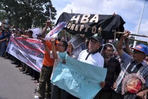 Puluhan ribu orang protes di Korsel meminta presiden turun