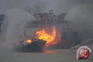 Polda Sumut tenggelamkan tujuh kapal pencuri ikan