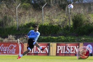 Suarez kembali berlatih sebelum final Piala Raja
