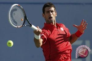 Djokovic kalahkan Nishikori untuk persiapkan hadapi Murray