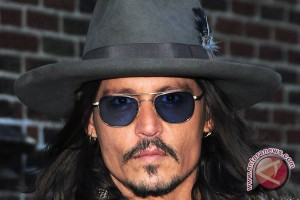 Johnny Depp jadi penyihir di film Fantastic Beasts