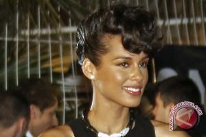 Alicia Keys terima penghargaan hak asasi manusia