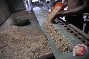 Warga Palembang minta pabrik tempe ditutup