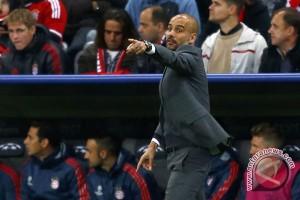 Pep Guardiola mau lini depan City lebih tajam