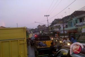 Warga Palembang keluhkan jalanan macet jelang libur