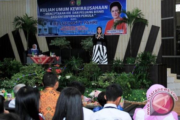 Lucianty Pahri berikan kuliah umum