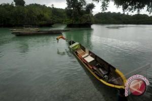 Danau Aur Musirawas dipadati pengunjung