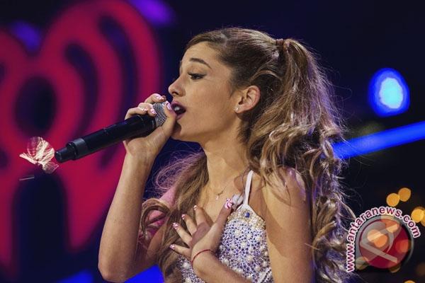 Tiket konser amal Ariana Grande habis dalam hitungan menit