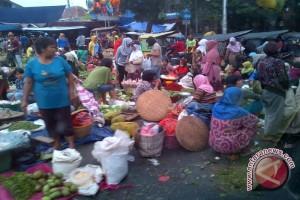Pedagang diarahkan tempati kios dua pasar baru