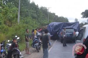 Akhirnya jalan  Bangko-Kerinci Provinsi Jambi kembali dibuka